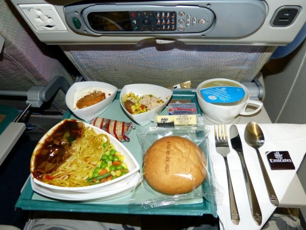 Almoço servido no voo EK-247 DUBAI x RIO