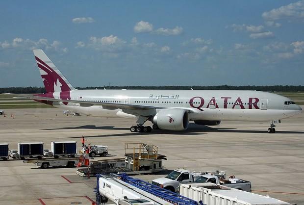 Boeing_777-2DZLR,_Qatar_Airways_JP7258332