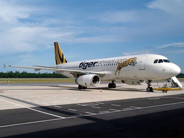 800px-Airbus_A320-232,_Tiger_Airways_AN1094294