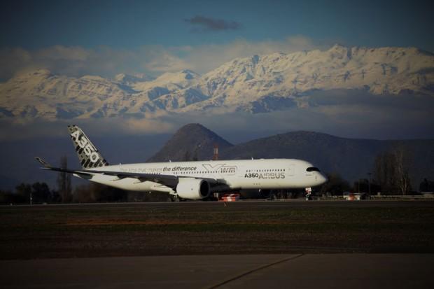 O A350 poucou ontem em Santiago (Foto: Airbus)