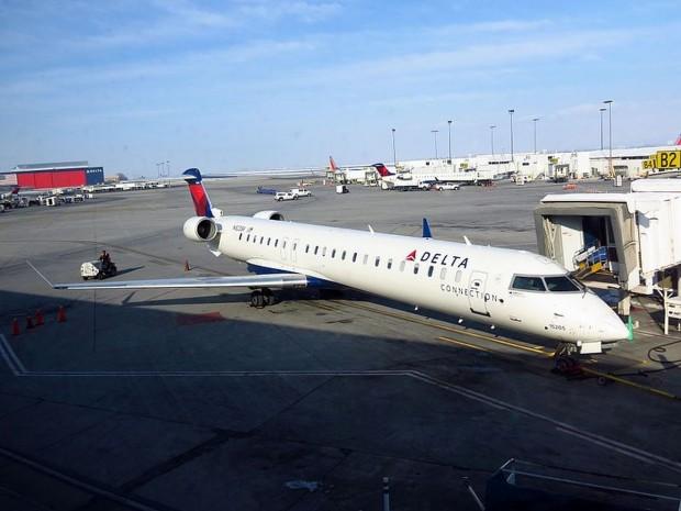 CRJ-900 da Delta (Wikimedia commons)