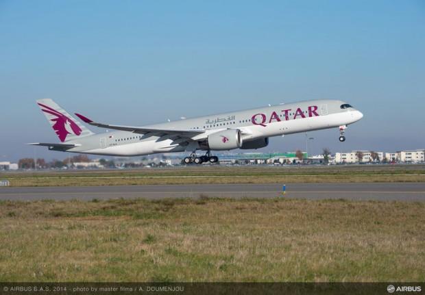 A350_XWB_Qatar_Airways_media_flight_take_off
