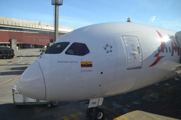 Boeing-787-avianca-dreamliner35