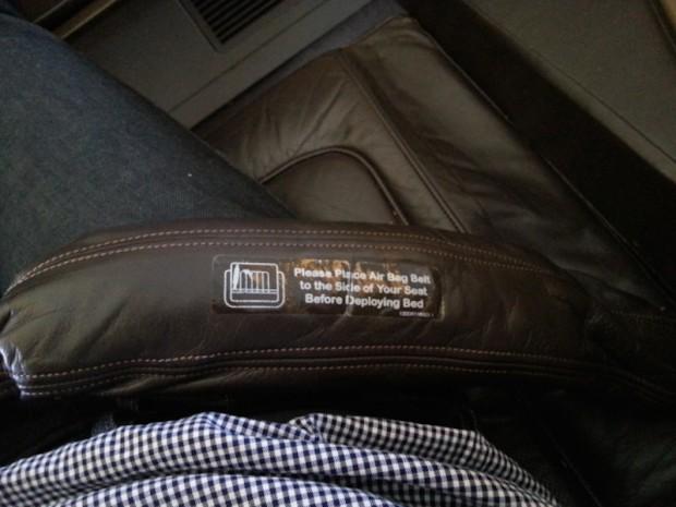 como-e-voar-singapore-cinto-airbag