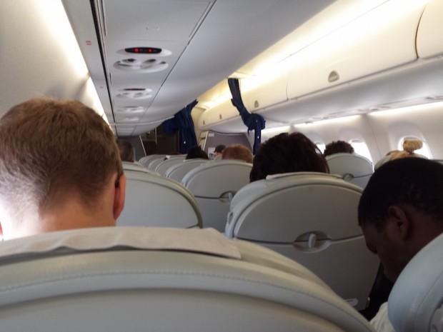 como-voar-lot-aeronave