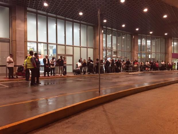 Fila-Taxi-Aeroporto-GIG