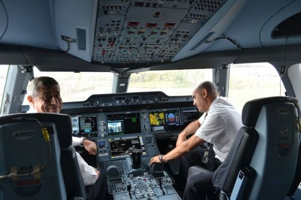 airbus-a350-xwb-054