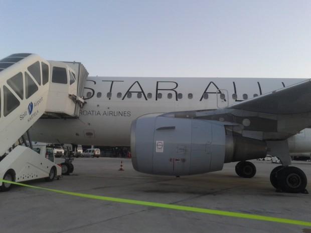 como-e-voar-croatia-airlines-aeronave-embarque