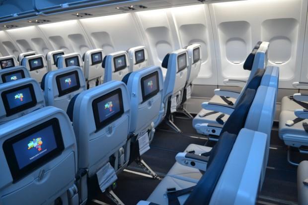 Azul-A330-economica-005