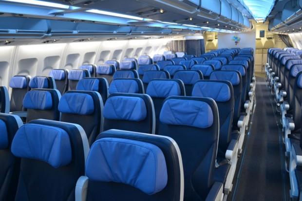 Azul-A330-economica-012