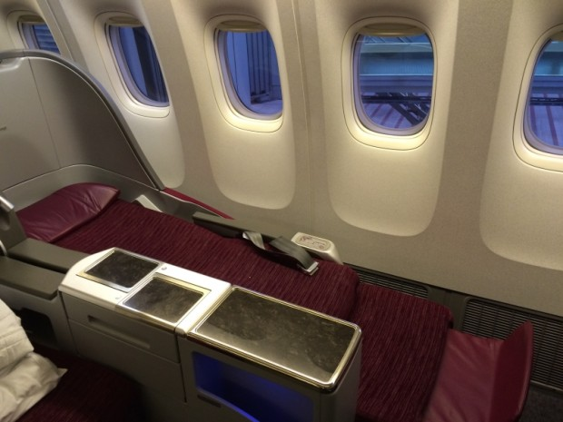 como-e-voar-executiva-qatar-airways-poltrona-fully-flat