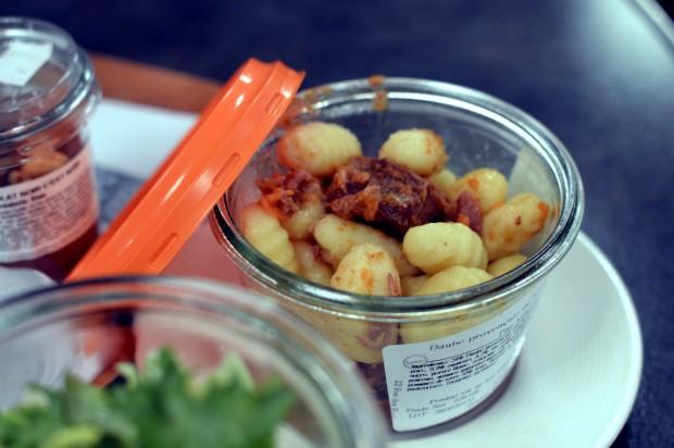 No Boco as comidas são servidas em potinhos