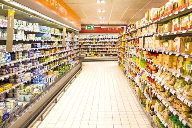 Supermercados são boas opções para os que desejam economizar, pois vendem comida pronta