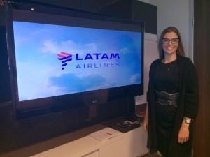 Claudia Sender durante evento da Latam
