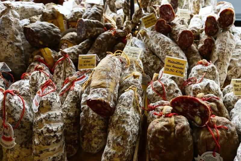 Salames sem embalagem continuam proibidos.