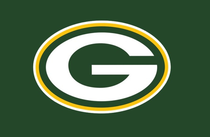 House returning to Packers, Jones signs with Vikings
