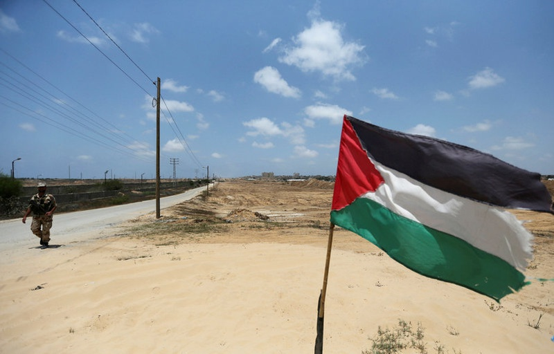 Palestinian Authority forces Gaza workers to retire