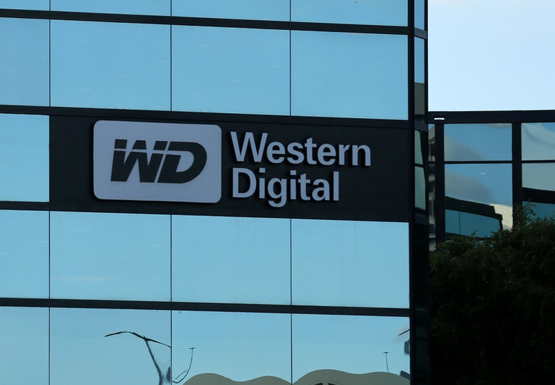 Western Digital to offer 2 trillion yen for Toshiba chip maker