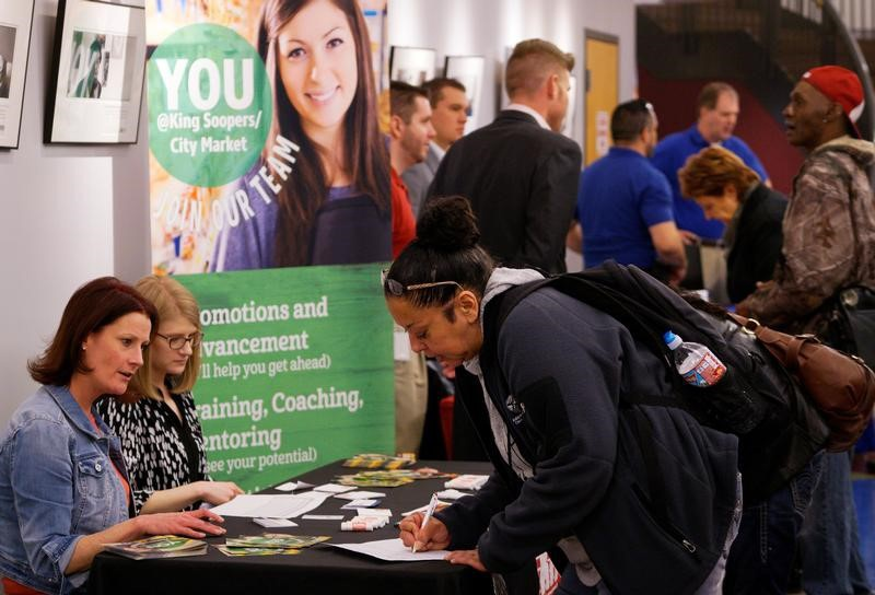 United States unemployment falls to 10-year low in April