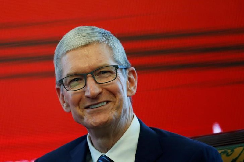 Apple to set up three big manufacturing plants in US