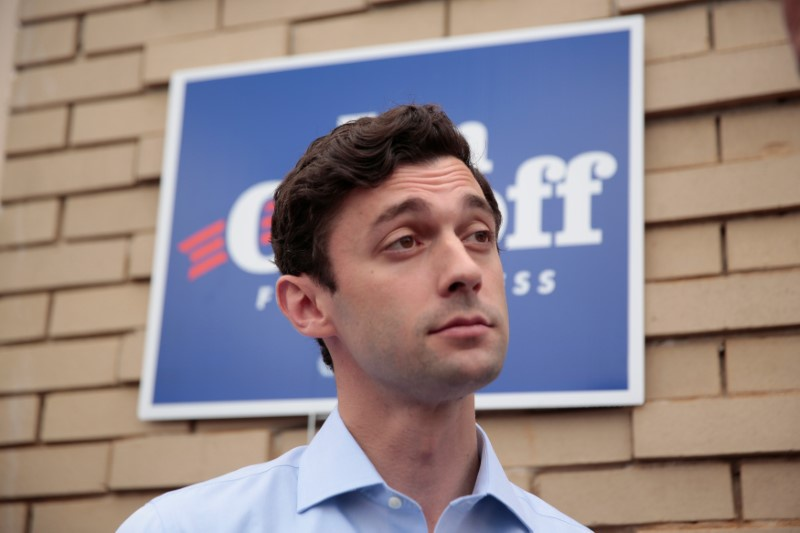 Trump slams Ossoff, praises Handel in tweets