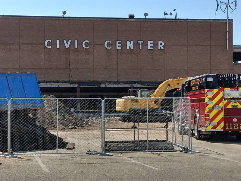 1 dead after roof collapse at Holland Civic Center in West Michigan