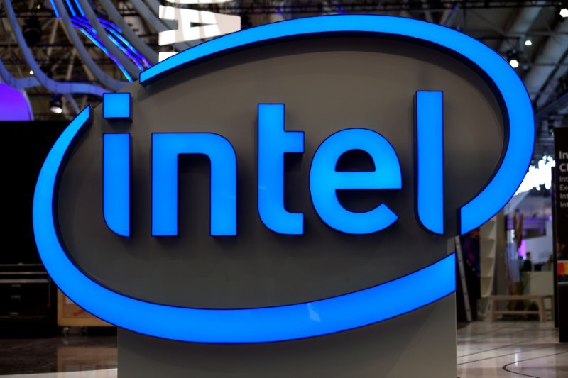 Intel plans 100 vehicle self-driving fleet to pitch Mobileye and 5G