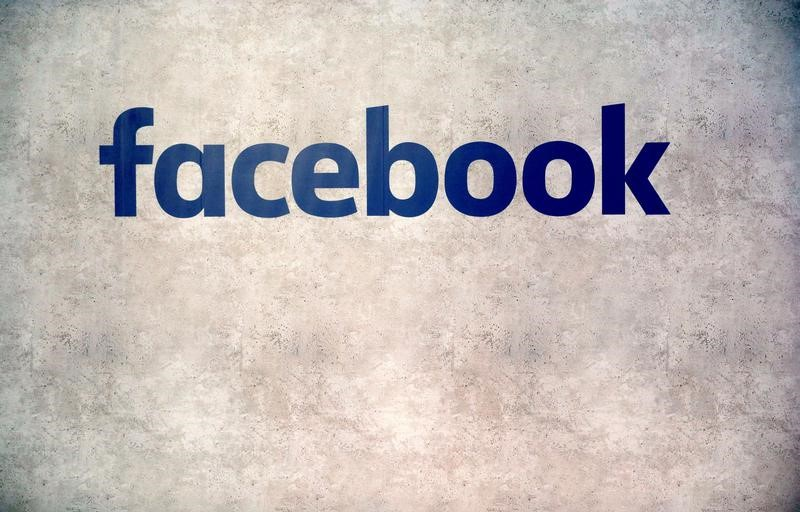 Facebook to pay back advertisers following video ad bug