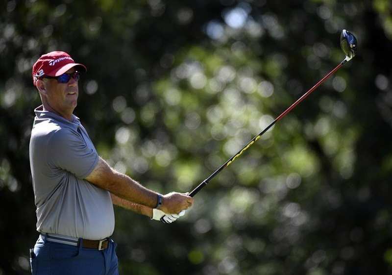 Cink tied for lead in Memphis, Fowler struggles
