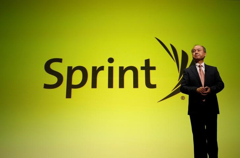 Sprint Holds Talks With Billionaires Buffett, Malone, WSJ Says