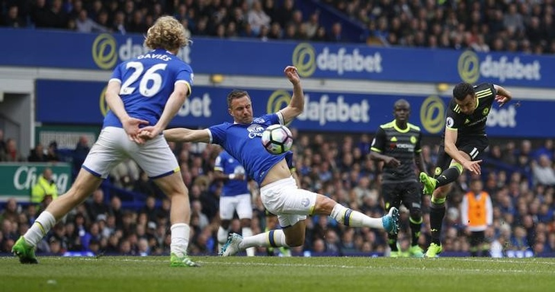 Britain Football Soccer- Everton v Chelsea- Premier League- Goodison Park- 30/4/17 Chelsea's Pedro scores their first goal Reuters  Ph
