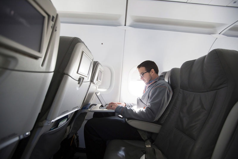 Homeland Security considers banning laptops on all flights