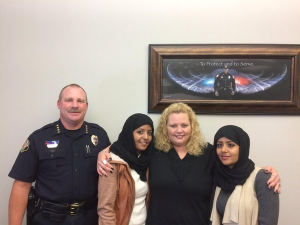 Woman who yelled at Muslims hugs 1 of them