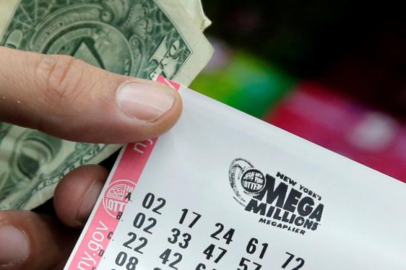 Illinois Lottery resumes sales of some tickets