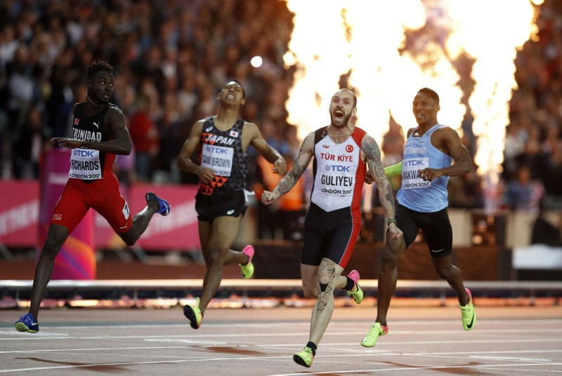 Turkey's Guliyev beats Wayde van Niekerk in thrilling 200m World Champs final