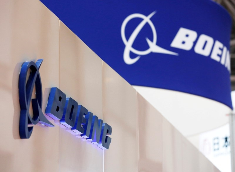 Boeing to issue layoff notices to hundreds of employees