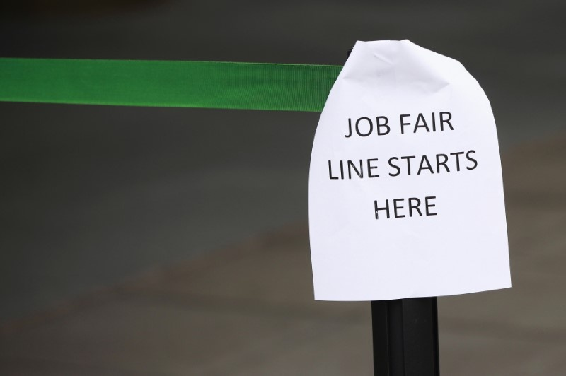 U.S. weekly jobless claims unexpectedly edge lower signal strength in labor market