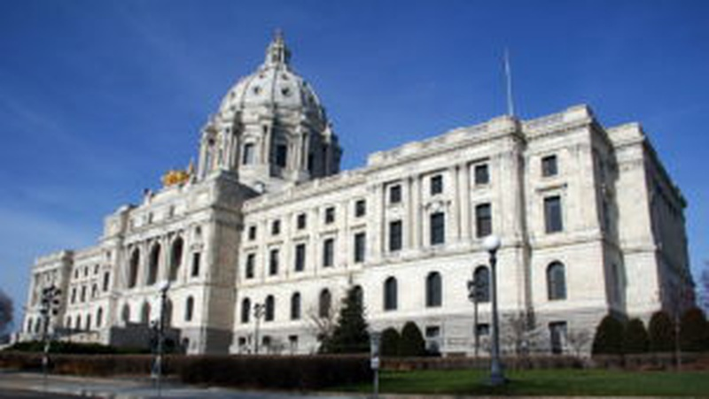 Minnesota House approves Sunday liquor sale