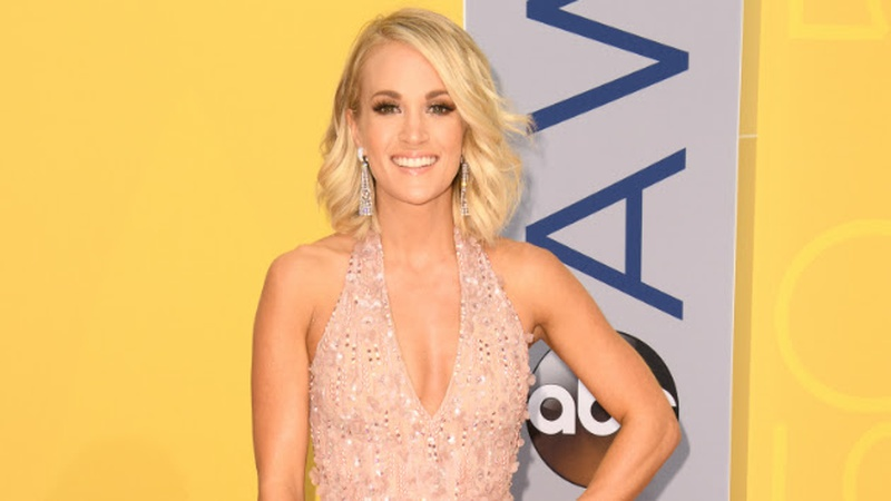 Carrie Underwood Cruises Into 2017 News Win 98 5