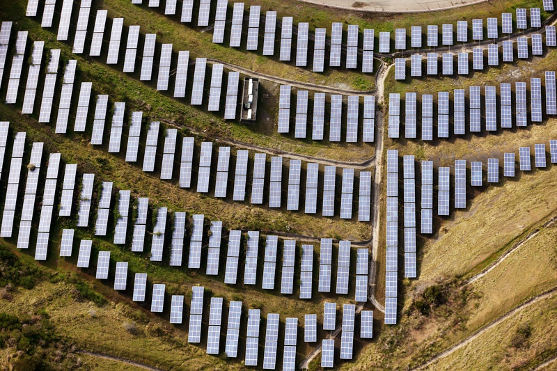 US solar market to fall 16 percent in 2017, report says