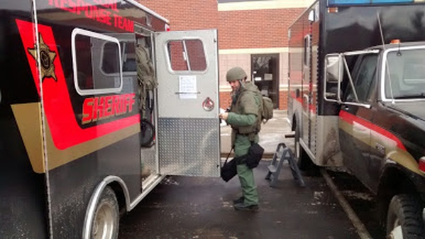 Sheriff 39 s tactical team does training exercise at wiaa for Department of motor vehicles stevens point wisconsin