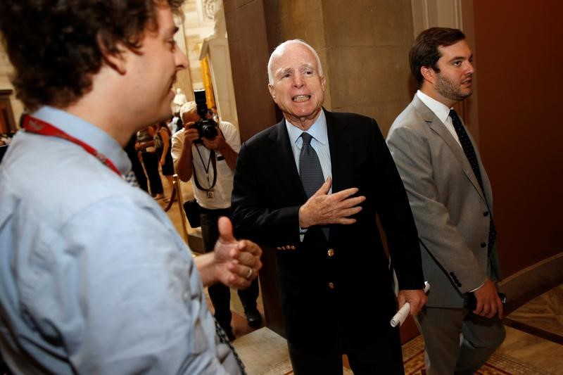 McCain Staying in Arizona After Blood Clot Surgery