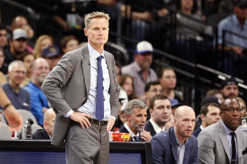 Coach Kerr attends Warriors practice after leave of absence