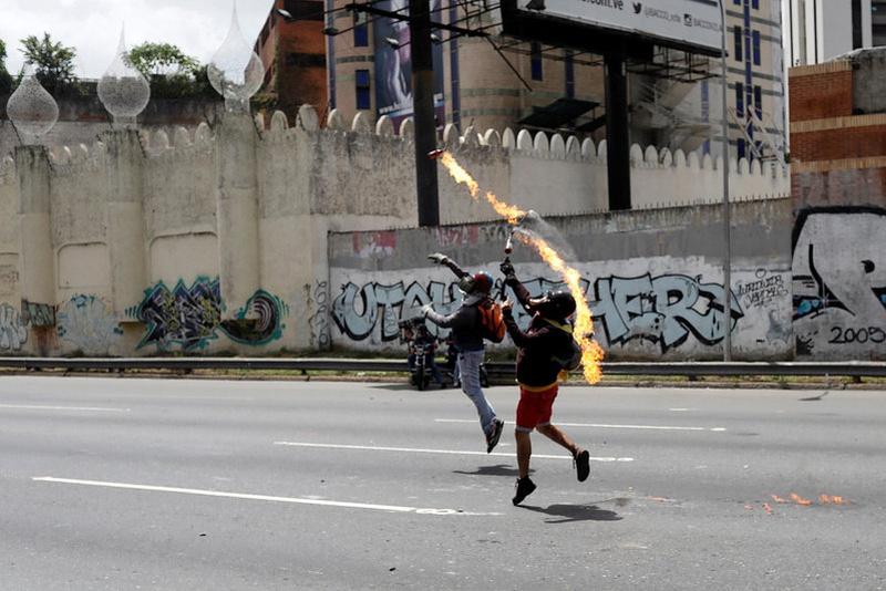 Venezuela opposition figures wounded as anti-govt demos intensify