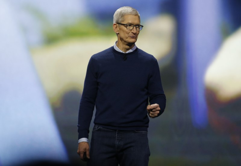 Tim Cook to personally attend inaugaral meeting of Trump's council