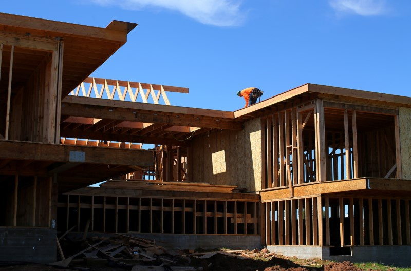 US home builder confidence improves in May