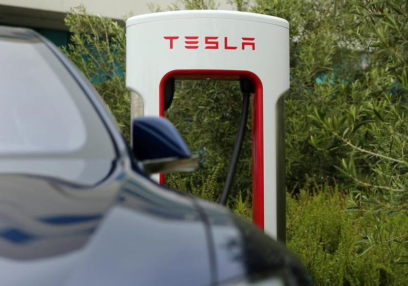 Tesla Shakeup: Replaces Head Of Automated Driving Team