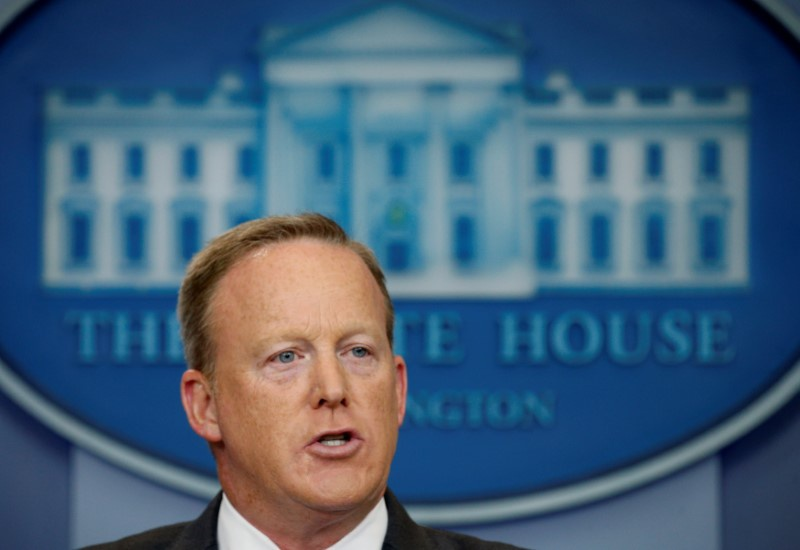 Spicer resigns from White House, Scaramucci takes podium