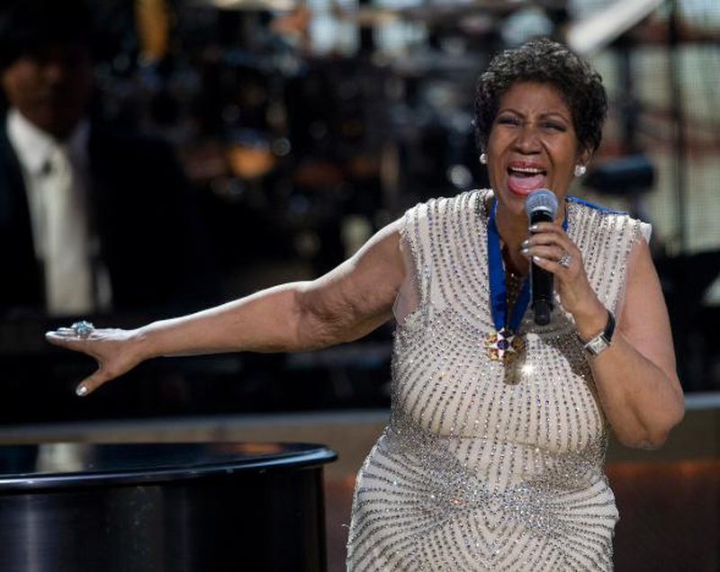 Aretha Franklin performs free concert in Detroit