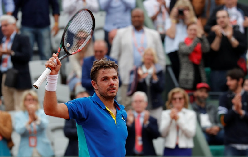 Murray downs Del Potro as feuding Frenchwomen clash at Roland Garros